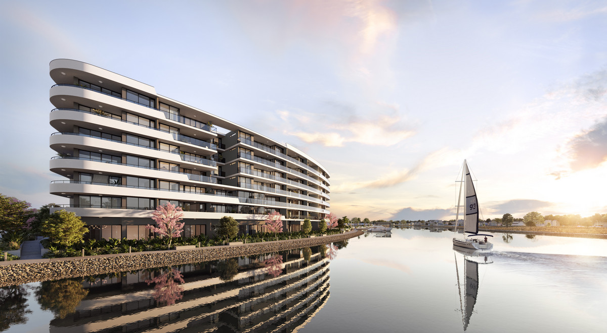Hope Island – Waterfront Apartment